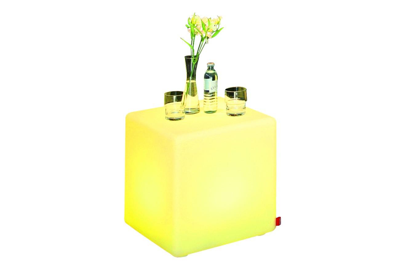 Beistelltisch cube led pro accu for Beistelltisch usb