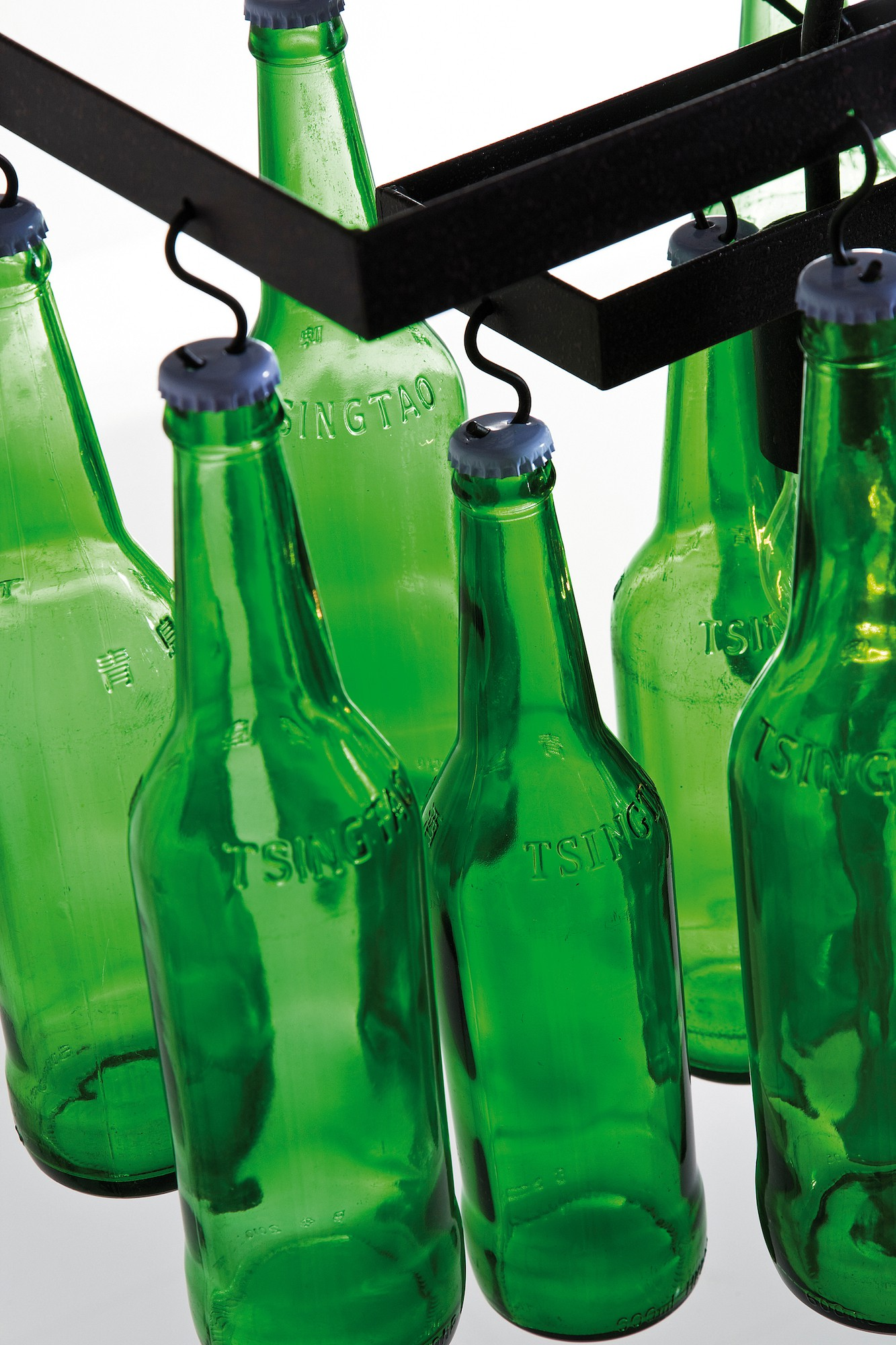 h ngeleuchte beer bottles. Black Bedroom Furniture Sets. Home Design Ideas