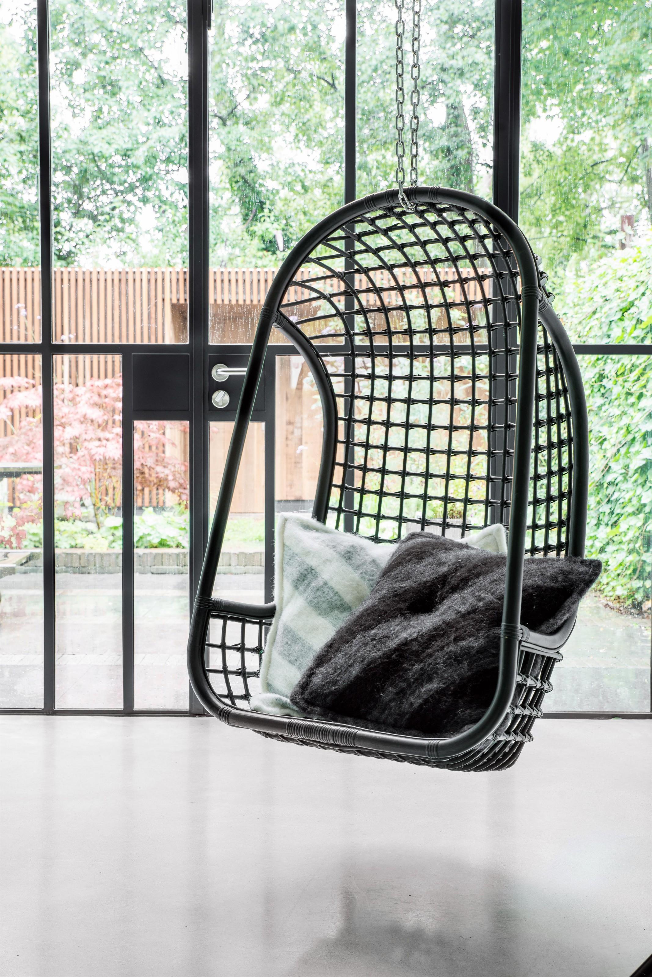 h ngesessel rattan schwarz. Black Bedroom Furniture Sets. Home Design Ideas
